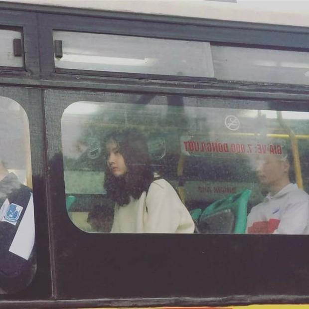 Cư dân mạng đòi link cô gái bị chụp lén trên xe bus vẫn thần thái ngời ngời - Ảnh 1.