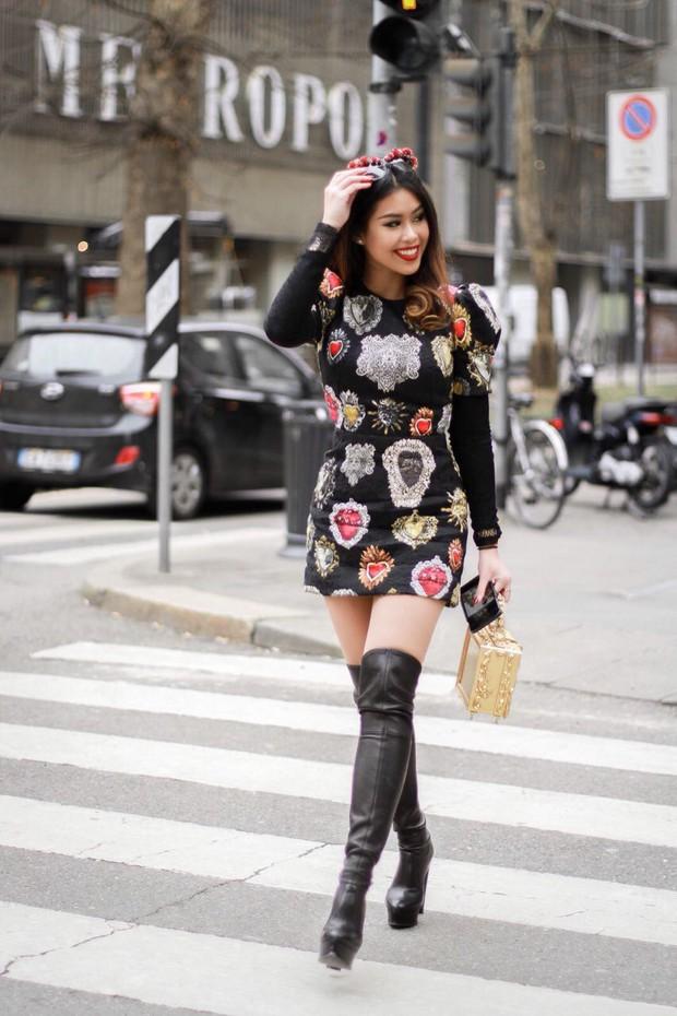 Mùa này nước ta làm gì có ai bay show ác liệt tại Milan Fashion Week hơn là Thảo Tiên - em chồng Hà Tăng - Ảnh 12.