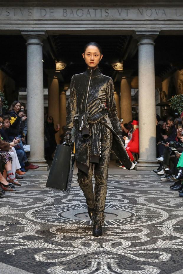 Chỉ thua mỗi Hoàng Thùy mùa giải 2011, nhưng 7 năm sau Trà My Next Top mới dám tiến công Milan Fashion Week - Ảnh 1.