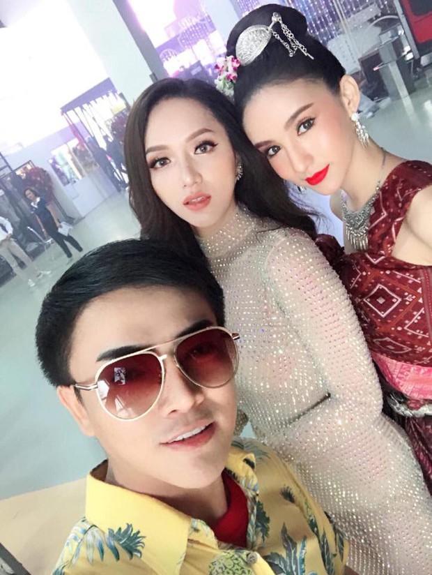 Dù là đối thủ trực diện, Hương Giang và người đẹp chủ nhà Thái Lan Yoshi Rinrada vẫn vô cùng thân thiết - Ảnh 6.