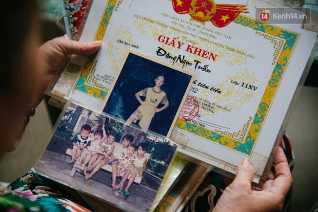 Về thăm căn nhà nhỏ cũ kỹ của gia đình thủ môn U23 Việt Nam: Mẹ ung thư, cha mất khả năng lao động - Ảnh 10.