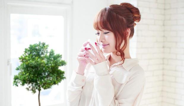Phụ nữ Nhật có làn da đẹp hoàn mỹ là nhờ uống đúng loại nước này vào mỗi sáng khi thức dậy - Ảnh 2.