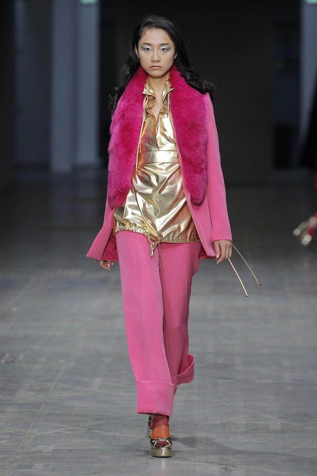 Chỉ thua mỗi Hoàng Thùy mùa giải 2011, nhưng 7 năm sau Trà My Next Top mới dám tiến công Milan Fashion Week - Ảnh 2.
