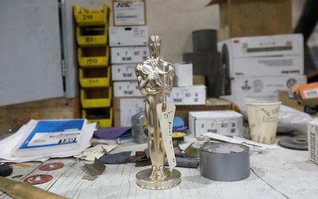 Khám phá quy trình sản xuất tượng vàng Oscar danh giá - Ảnh 9.