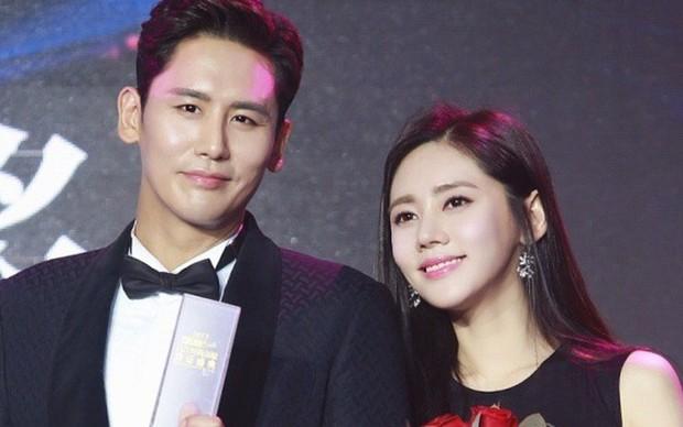 Sina công bố danh sách nghệ sĩ mua top tìm kiếm trên Weibo gây tranh cãi: PGone - Sehun (EXO) đều có mặt? - Ảnh 1.