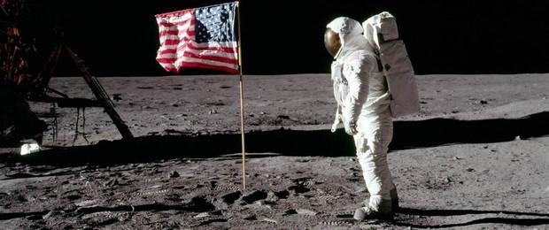 Không thể tin được: Con người xả tới 187 tấn rác trên bề mặt Mặt trăng - Ảnh 2.