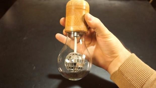 Hướng dẫn tự chế quả cầu disco từ một chiếc bóng đèn sợi đốt cũ - Ảnh 7.
