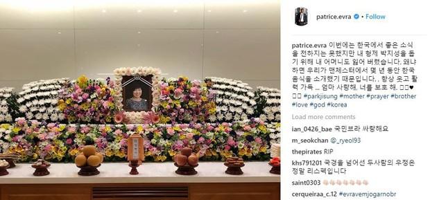 Sao Man Utd xúc động khi sang Hàn Quốc dự tang lễ mẹ Park Ji-sung - Ảnh 1.