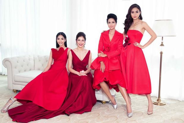 Đụng hàng với Hoa hậu đẹp nhất Thế giới 2008, Kỳ Duyên vẫn quyến rũ và đẳng cấp vô cùng  - Ảnh 1.