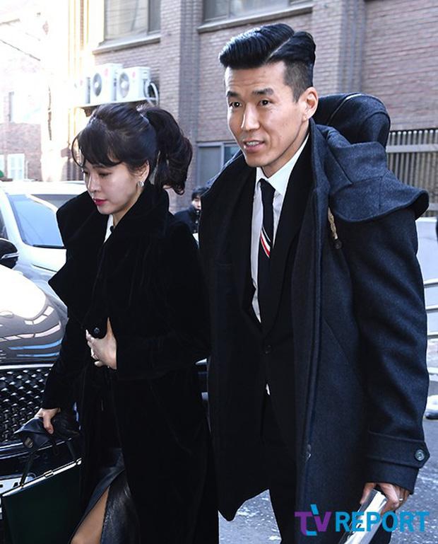 Dàn sao siêu sang chảnh dự đám cưới Taeyang: 2NE1 và WINNER như đi thảm đỏ, Black Pink đọ sắc người đẹp không tuổi - Ảnh 46.