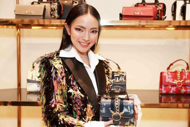 Để tóc dài trang điểm đậm đã không hợp, Hoa hậu HHen Niê còn thua Tóc Tiên trong khoản mix đồ khi đụng hàng - Ảnh 7.