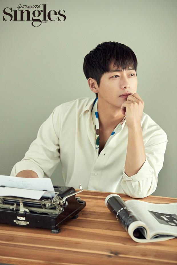Không thể tin 8 sao Hàn nổi tiếng đóng phim hay này lại chưa một lần học diễn xuất - Ảnh 1.