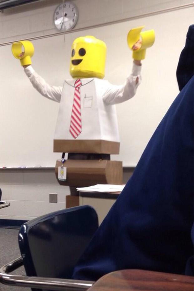 10 bức ảnh chứng minh giáo viên cấp 3 hài hước hơn giảng viên đại học - Ảnh 10.