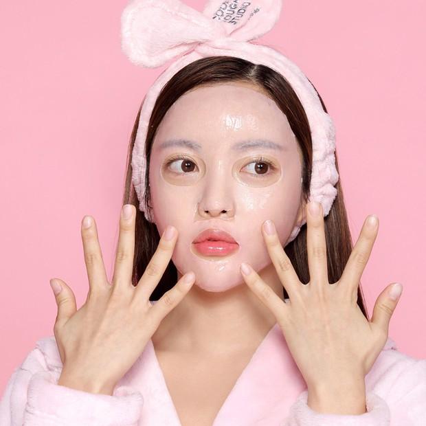 Chuyên gia makeup của Lee Hyori chỉ ra 5 tips makeup cơ bản đem lại làn da bóng bẩy, ngậm nước - Ảnh 6.