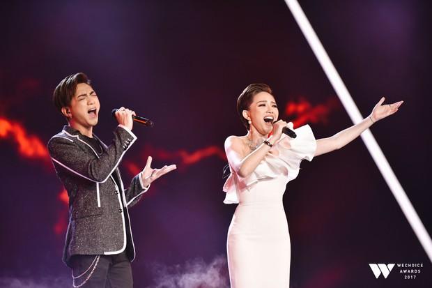 Xem lại loạt tiết mục có 1-0-2 và toàn bộ chương trình Gala WeChoice Awards 2017 đầy cảm xúc - Ảnh 8.