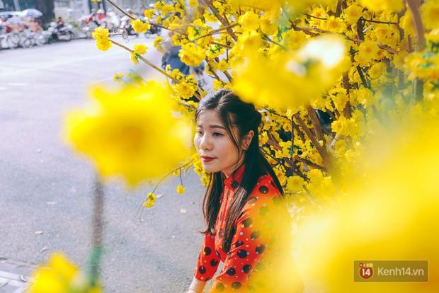Nhiều người kiếm tiền triệu mỗi ngày nhờ cho thuê áo dài Tết chụp hình tại phố ông đồ Sài Gòn - Ảnh 8.