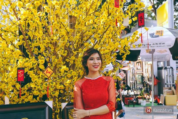 Nhiều người kiếm tiền triệu mỗi ngày nhờ cho thuê áo dài Tết chụp hình tại phố ông đồ Sài Gòn - Ảnh 15.