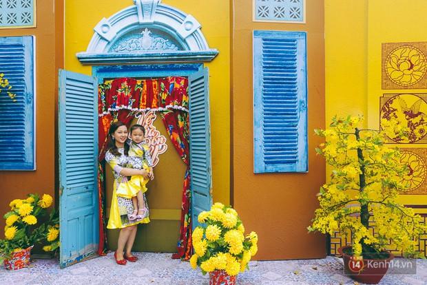 Nhiều người kiếm tiền triệu mỗi ngày nhờ cho thuê áo dài Tết chụp hình tại phố ông đồ Sài Gòn - Ảnh 16.