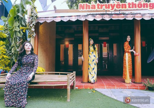 Nhiều người kiếm tiền triệu mỗi ngày nhờ cho thuê áo dài Tết chụp hình tại phố ông đồ Sài Gòn - Ảnh 17.