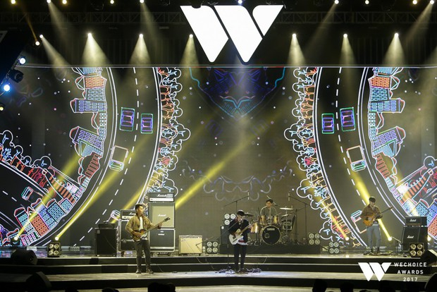 Xem lại loạt tiết mục có 1-0-2 và toàn bộ chương trình Gala WeChoice Awards 2017 đầy cảm xúc - Ảnh 28.