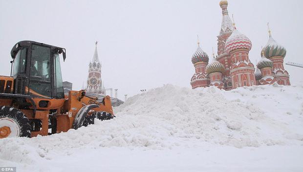 Tuyết rơi phá kỷ lục 100 năm ở Nga: Đã tìm ra nguyên nhân - Ảnh 2.