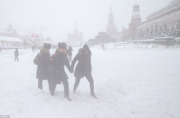 Tuyết rơi phá kỷ lục 100 năm ở Nga: Đã tìm ra nguyên nhân - Ảnh 4.