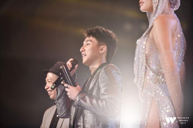 Khoảnh khắc WeChoice Awards: Đẹp nhất là khi Sơn Tùng, bé Bôm và các nghệ sĩ Việt cùng chậm lại trong dòng cảm xúc vỡ òa - Ảnh 34.