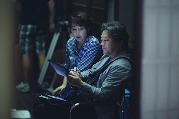 Hậu trường ít ai biết của cảnh nóng phim Hàn 18+ The Handmaiden - Ảnh 2.