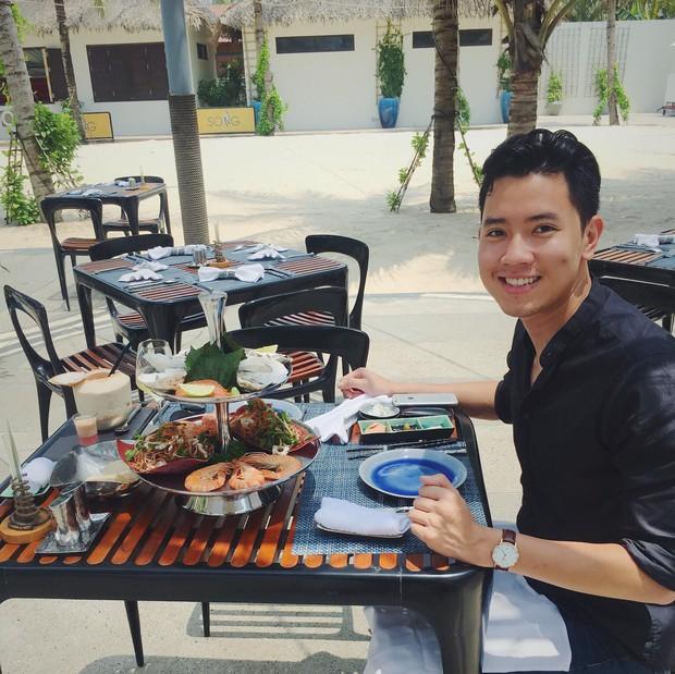 Cơ trưởng 9X trẻ nhất Việt Nam ngày càng điển trai và ăn mặc cool hết nấc - Ảnh 21.