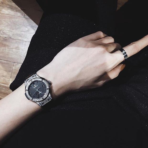 Kỳ Duyên lại tậu đồng hồ trị giá hàng trăm triệu, bổ sung vào bộ sưu tập hàng hiệu xa xỉ - Ảnh 2.