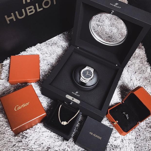 Kỳ Duyên lại tậu đồng hồ trị giá hàng trăm triệu, bổ sung vào bộ sưu tập hàng hiệu xa xỉ - Ảnh 1.