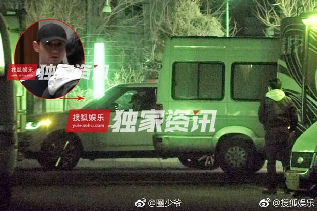 Thuốc độc phòng vé Cảnh Điềm lộ ảnh hôn đắm đuối VĐV bóng bàn số 1 Trung Quốc - Ảnh 2.