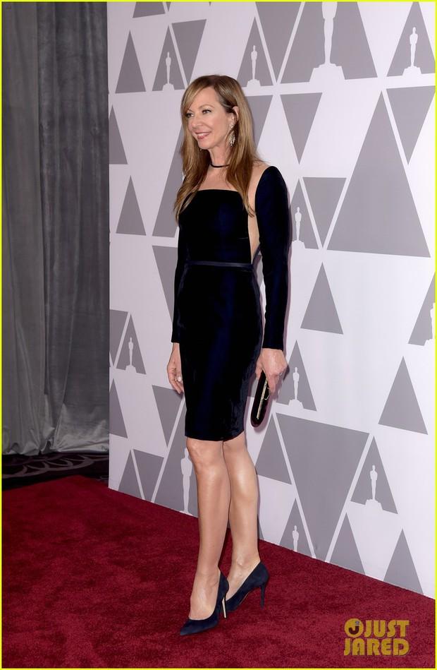 Sao Người đẹp và thủy quái giản dị giữa dàn mỹ nhân lộng lẫy tại thảm đỏ sự kiện tiền Oscar - Ảnh 4.