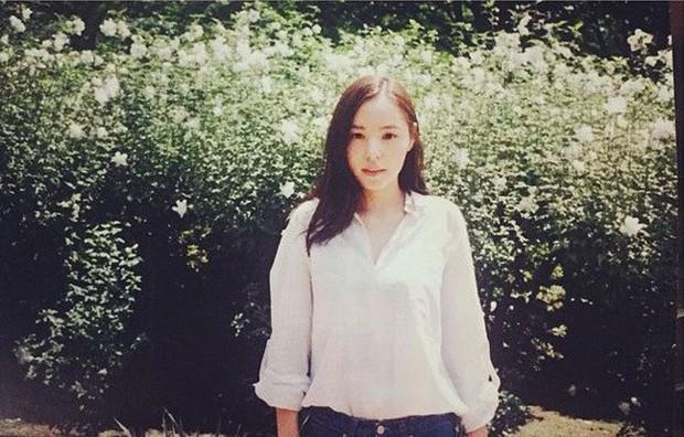 Bất kể xuân hạ thu đông, Min Hyo Rin cũng luôn trung thành với công thức mix đồ này  - Ảnh 5.
