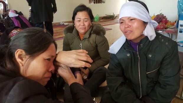 Nghẹn lòng đám tang 4 người trong một gia đình đuối nước ngày cận Tết - Ảnh 1.