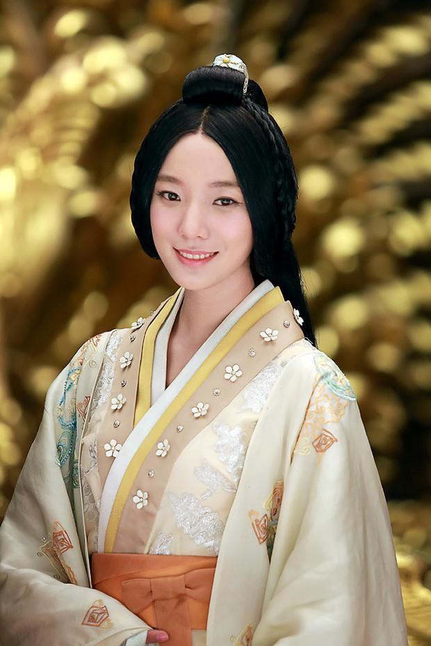 Hoàng hậu duy nhất trong lịch sử Trung Hoa vừa bị mù một bên mắt, liệt một bên chân và câu chuyện cảm động muôn đời - Ảnh 1.