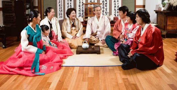 8 điều thú vị về ngày Tết ở Hàn Quốc: Điều thứ 3 cũng giống với văn hóa truyền thống Việt Nam - Ảnh 3.