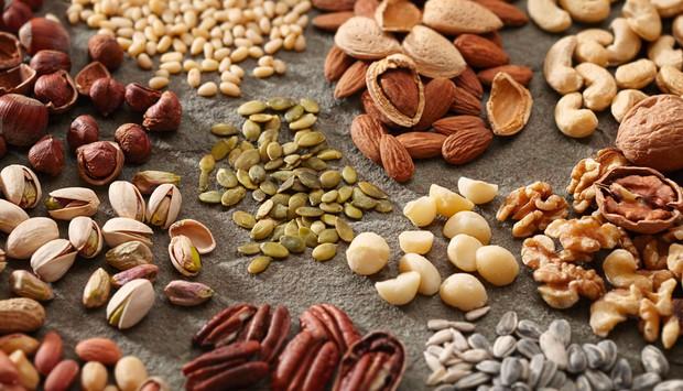 Loại hạt đắt đỏ được mệnh danh là hoàng hậu quả khô xuất hiện trong Tết mấy năm nay có gì đặc biệt? - Ảnh 1.