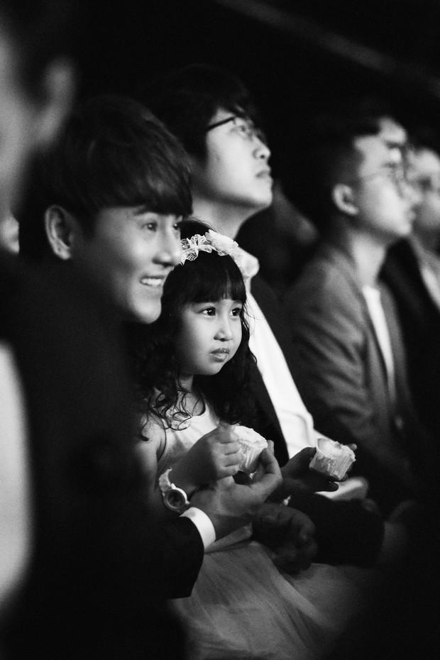 Loạt ảnh các khoảnh khắc đẹp đến nao lòng của sao Việt trong đêm Gala WeChoice Awards 2017 - Ảnh 13.