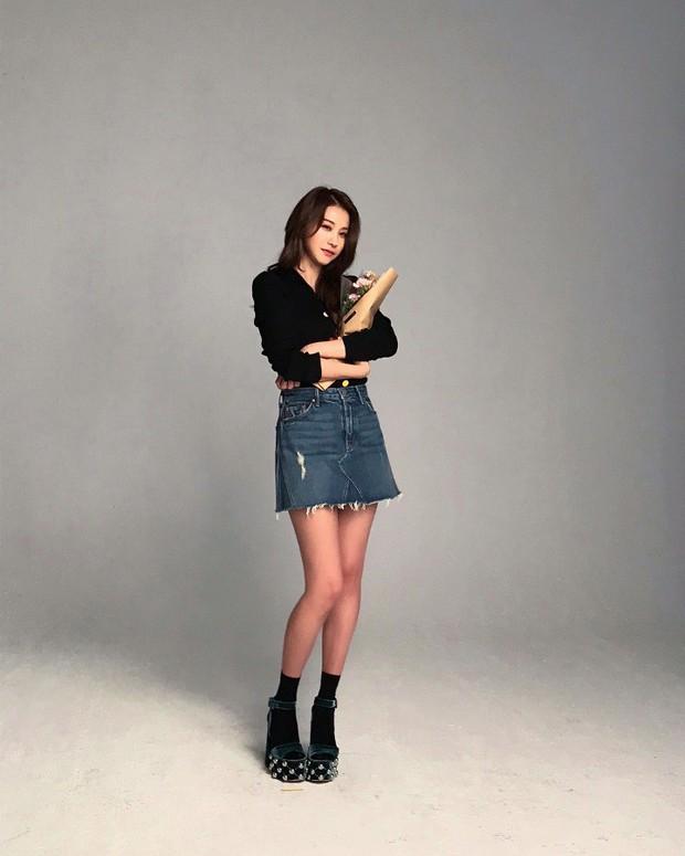 Ác nữ Cheese in the Trap bản điện ảnh gây choáng với đôi chân quá đẹp không cần photoshop - Ảnh 8.