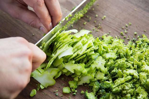 Nhà khoa học hướng dẫn cách sử dụng bông cải xanh hiệu quả nhất để không phí tiền - Ảnh 2.