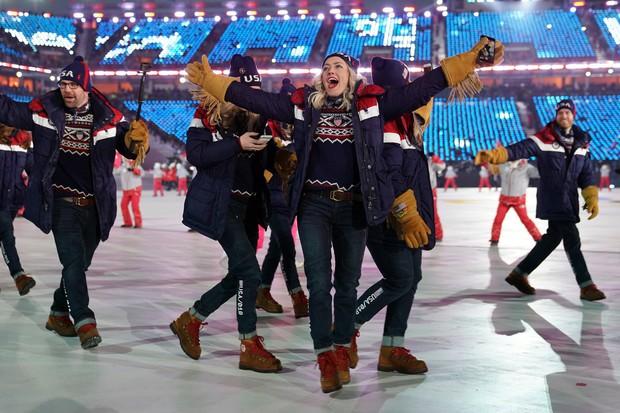 Nữ hoàng trượt băng Kim Yuna thắp đuốc khai mạc Olympics mùa Đông 2018 - Ảnh 8.