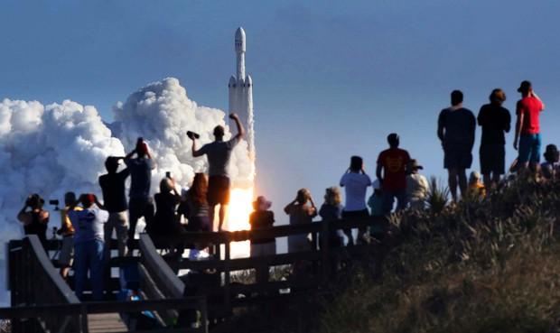 Hành trình của Starman - kẻ du hành đơn độc giữa vũ trụ, đem theo giấc mơ điên rồ cộp mác Elon Musk - Ảnh 6.