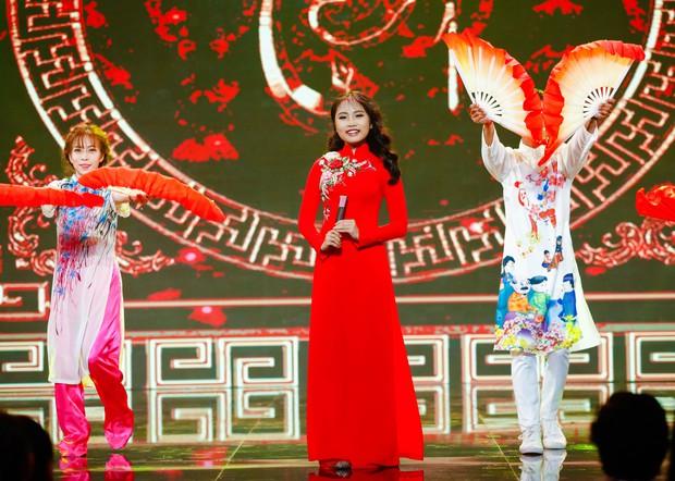 Bất ngờ khi Phương Mỹ Chi chuyển sang hình tượng trẻ trung, khoe vũ đạo trong tiết mục cover hit của Mỹ Tâm - Đàm Vĩnh Hưng - Ảnh 6.