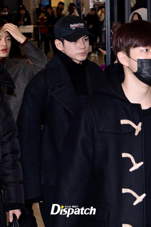 Dàn trai đẹp Wanna One khiến sân bay náo loạn vì chật kín fan, mỹ nam nhóm NUEST lại đẹp hơn cả con gái - Ảnh 15.
