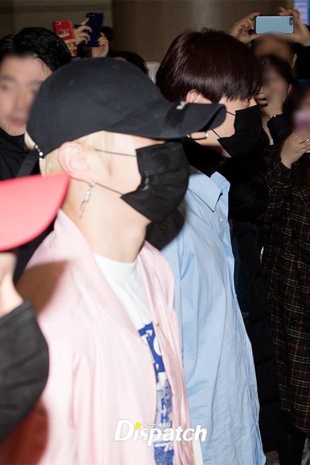 Dàn trai đẹp Wanna One khiến sân bay náo loạn vì chật kín fan, mỹ nam nhóm NUEST lại đẹp hơn cả con gái - Ảnh 11.