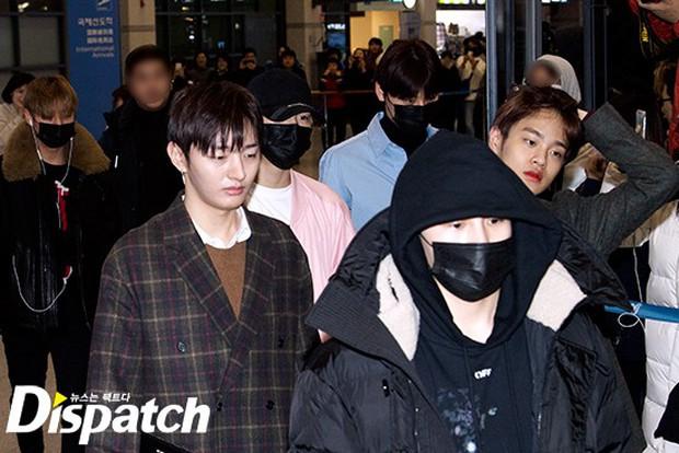 Dàn trai đẹp Wanna One khiến sân bay náo loạn vì chật kín fan, mỹ nam nhóm NUEST lại đẹp hơn cả con gái - Ảnh 4.