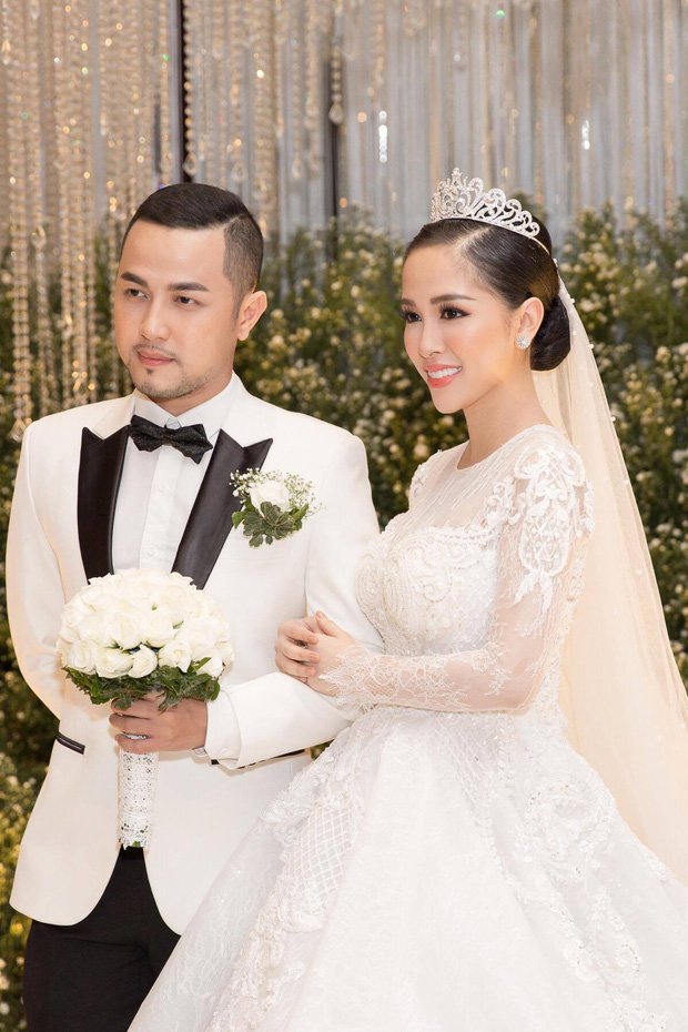 Vợ chồng Thế Bảo - anh trai Bảo Thy hạnh phúc đón con gái đầu lòng - Ảnh 2.
