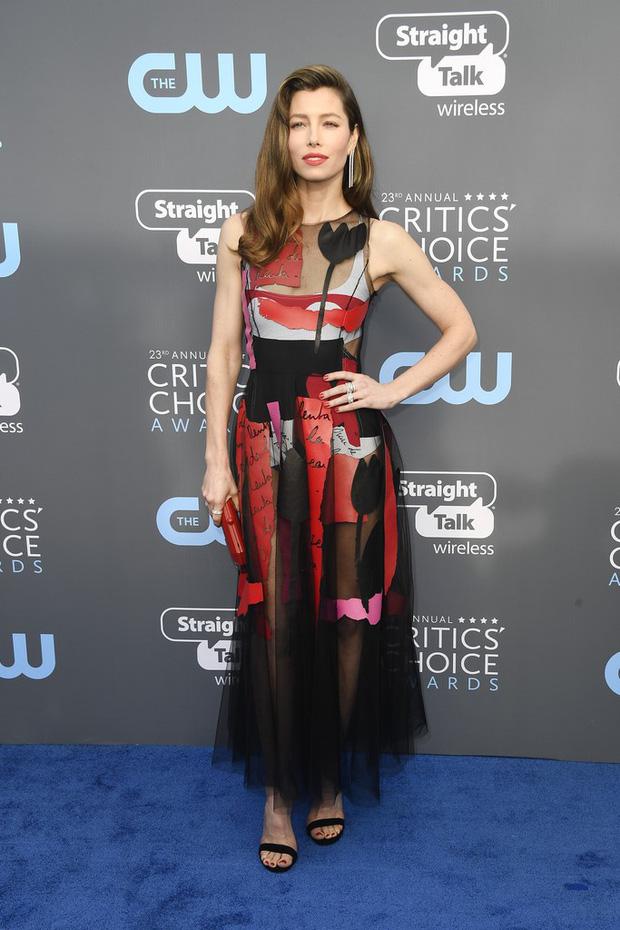 Cuộc chiến nhan sắc không cân sức giữa Angelina Jolie, Wonder Woman và dàn mỹ nhân trên thảm xanh - Ảnh 20.
