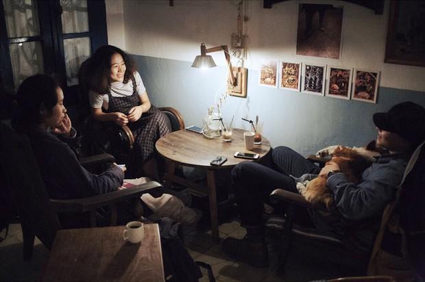 Tránh rét trong những ngày Hà Nội lạnh chết đi được ở 4 quán cafe rất xinh - Ảnh 2.